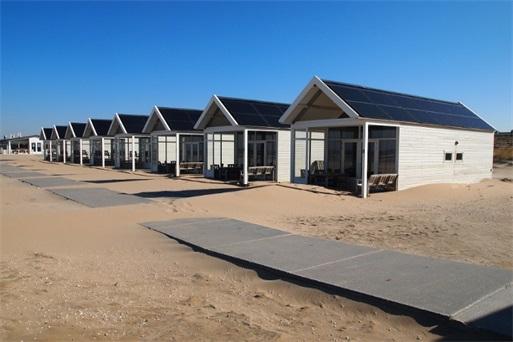 Zonnepanelen op de Kusthuisjes in Katwijk