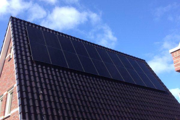 40 zonnepanelen – Den oever