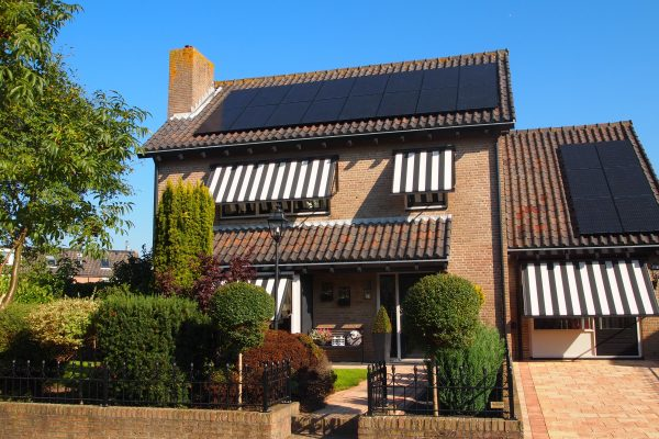 22 zonnepanelen – Rijnsburg